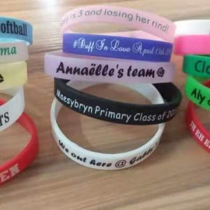 wholesale-custom-printing-personalized-rubber-bracelet-baby-shower-souvenirs-birthday-party-favors